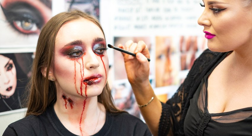 Make up Artist Course | Certificate in Makeup Artistry | Cut Above Academy